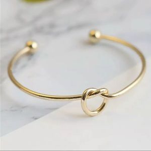 Gold Filled Minimalistic Knot Bracelet